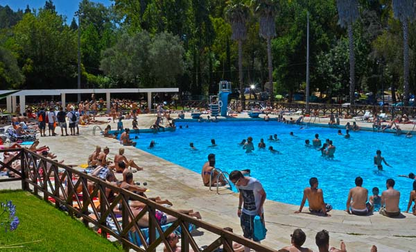 Lisboa camping bungalows roteiro campista for Piscine portugal